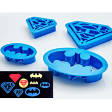 superman-batman-cookie-cutter